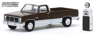 1:64 The Hobby Shop Series 8 - 1984 GMC 2500 High Sierra with Vintage Gas Pump