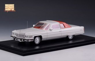 1974 Cadillac Coupe Deville (Cotillion White)