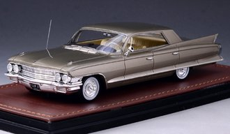 1962 Cadillac Sedan DeVille 4-Window (Victorian Gold Metallic)