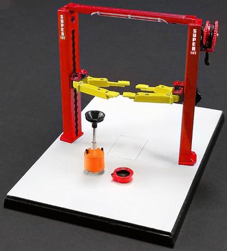 1:43 Two Post Lift (Red/Yellow)