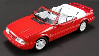 1:18 1992 Ford Mustang LX Convertible (Vibrant Red w/White Interior) Ford Feature Edition