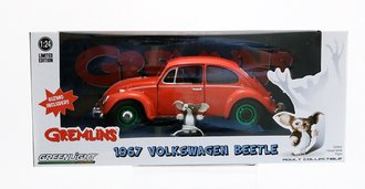 Chase 1:24 Gremlins (1984) - 1967 Volkswagen Beetle w/Gizmo Figure
