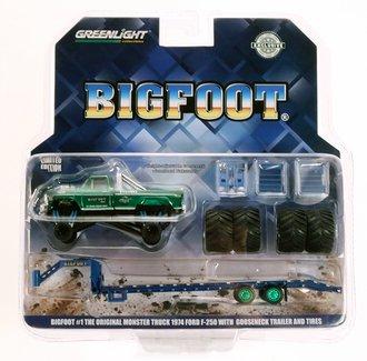 """Chase 1:64 Bigfoot #1 Monster Truck on Gooseneck Trailer w/Regular Tires & 66"""" Tires *** GREEN Body ***"""