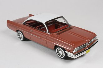 1:43 1961 Pontiac Catalina (Rose Metallic)