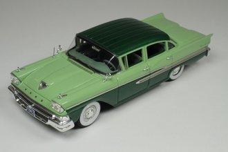 1958 Ford Fairlane 4-Door (Silvertone Green Poly/Seaspray Green)