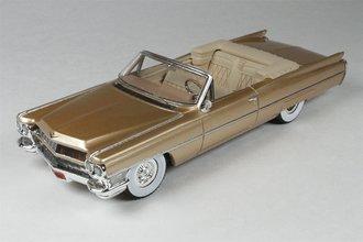 1964 Cadillac De Ville (Firemist Saddle)