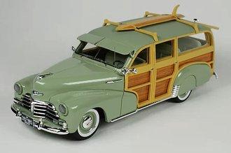 1948 Chevrolet Woody (Satin Green) w/Surfboard, Sunvisor, Closed Rear Wheels