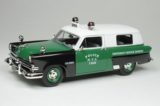 "1:43 1953 Ford Courier Police ""NYPD Emergency Unit"" (Green/Black)"