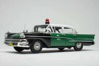 "1:43 1958 Ford Custom 300 Police Car ""NYPD"" (Green/Black)"