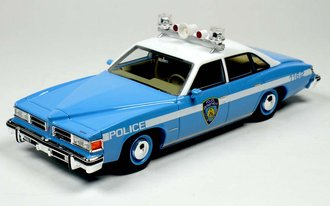 1:43 1977 Pontiac Le Mans New York Police Car (Blue/White)