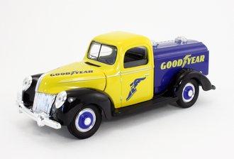 "1:18 1940 Classic Truck Tanker ""Goodyear"" (Yellow/Blue) (Non-Bank)"