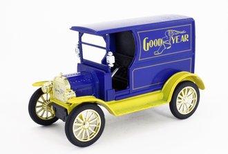 "1:24 1917 Vintage Truck ""Goodyear"" (Blue/Yellow)"