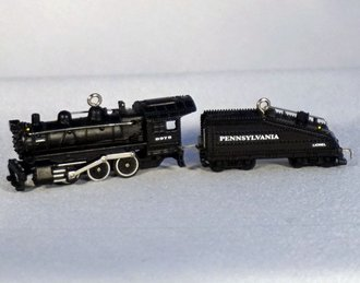 Lionel Ornament - 2006 Minature Set - Pennsylvania B6 Steam Locomotive & Tender