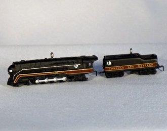 Lionel Ornament - 1999 Minature Set - 746 Norfolk and Western Locomotive & Tender