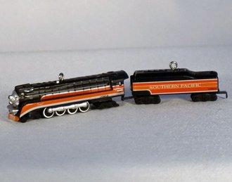 Lionel Ornament - 2004 Minature Set - Southern Pacific Daylight Steam Locomotive & Tender
