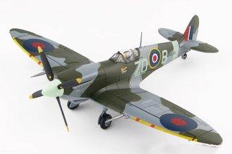 Spitfire MK VIII No. 222 Sqn., RAF, Duxford 2004