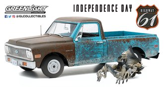 1:18 Independence Day (1996) - 1971 Chevrolet C-10 w/Alien Figure