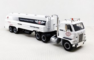 "1:43 1959 International DCOF-405 w/Airplane Fueling Tanker ""Phillips 66"" (White)"