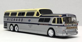 "1:43 GM Scenicruiser 4501 Bus ""Michaud Trailways - Boston"""