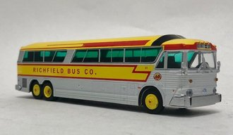 "1:87 MCI MC-7 Challenger Motorcoach ""Richfield Bus Co. - Minneapolis"""