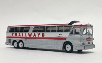 "1:87 MCI MC-7 Challenger Motorcoach ""Trailways - Albany"""