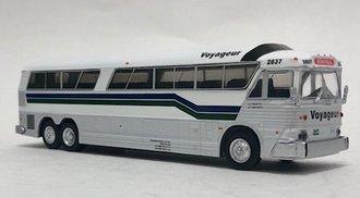 "1:87 MCI MC-7 Challenger Motorcoach ""Voyageur - Montreal"""