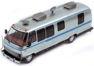 1:43 1981 Airstream Excella 280 Turbo RV (Silver w/Light Blue Stripe)