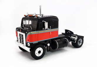1:43 1950 Kenworth COE Bullnose Tractor (Black/Red)
