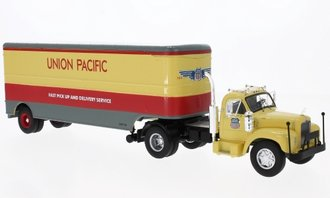 "1:43 1955 Mack B-61 w/Van Trailer ""Union Pacific"""