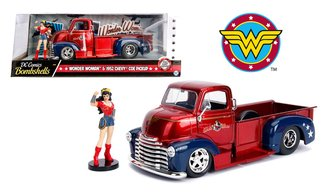 1:24 DC Comics Bombshells - 1952 Chevy COE w/Wonder Woman