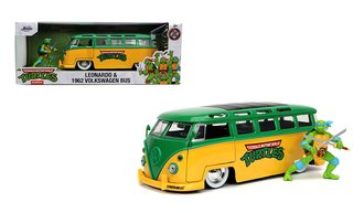 1:24 TMNT - 1962 VW Bus w/Leonardo Figure