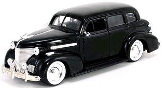 1:24 Showroom Floor 1939 Chevy Master DeLuxe w/Baby Moon Rims (Black)
