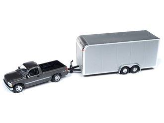 1:64 2000 Chevrolet Silverado w/Enclosed Car Trailer (Gray/Silver)