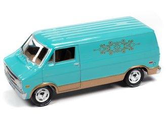 1:64 1976 Dodge Tradesman Van (Mint Green)
