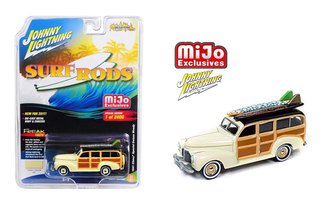 1:64 Street Freaks - Surf Rods - 1941 Chevy Special Deluxe Woody w/Surfboards (Cream)