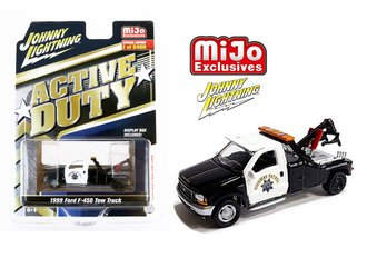"1:64 Active Duty 1999 Ford F-450 Tow Truck ""California Highway Patrol"""