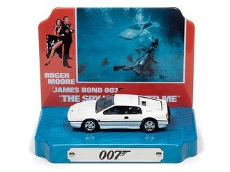 1:64 The Spy Who Loved Me w/1976 Lotus Espirit w/Tin (White)