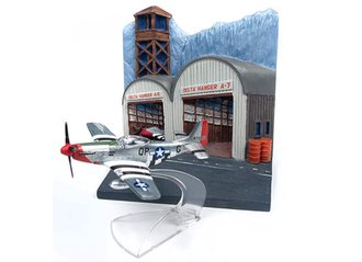 1:144 North American P-51D Mustang w/Airfield Resin Display Diorama
