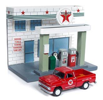 1:64 Texaco Service Station Diorama w/1965 Chevy Pickup Truck