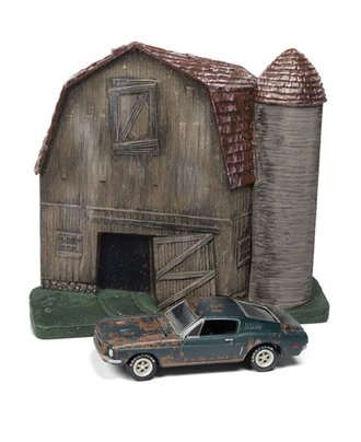 1:64 Barn Façade w/1968 Ford Mustang (Weathered Highland Green)