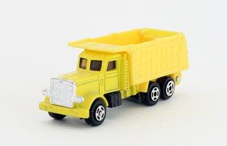 Road Machines - Peterbilt Dump Truck (Yellow)