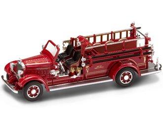 1:43 1935 Mack Type 75BX Fire Pumper (Red)