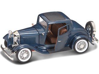 1:18 1932 Ford 3-Window Coupe (Blue)
