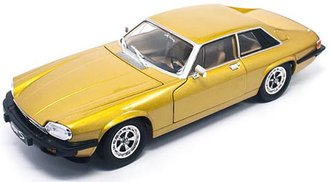 1:18 1975 Jaguar XJS (Gold)