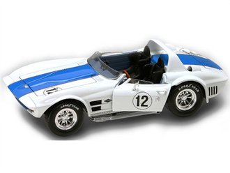 1:18 1964 Chevrolet Corvette Grand Sport (White w/Blue Racing Stripe)