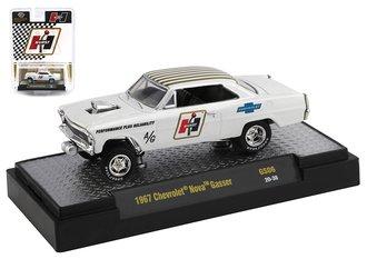 """1:64 Special Release - 1967 Chevrolet Nova Gasser """"Hurst"""" (White/Gold)"""