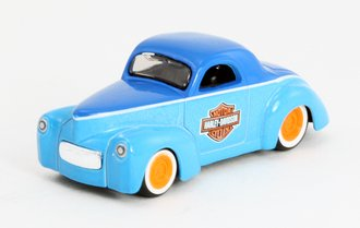 """1:64 H-D Custom - 1941 Willys Coupe """"Harley-Davidson"""""""