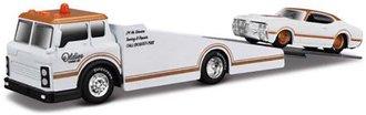 1:64 Elite Transport 2018 - Ramp Truck w/1969 Oldsmobile 442 (White/Copper)