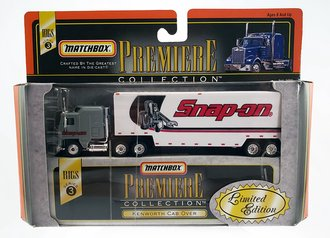 "1:87 Kenworth COE w/Dropdeck Trailer ""Snap-On"" (Grey/White)"