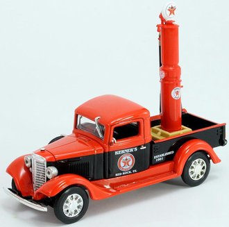 "1:43 1934 International Pickup ""Texaco"" w/Gas Pump"